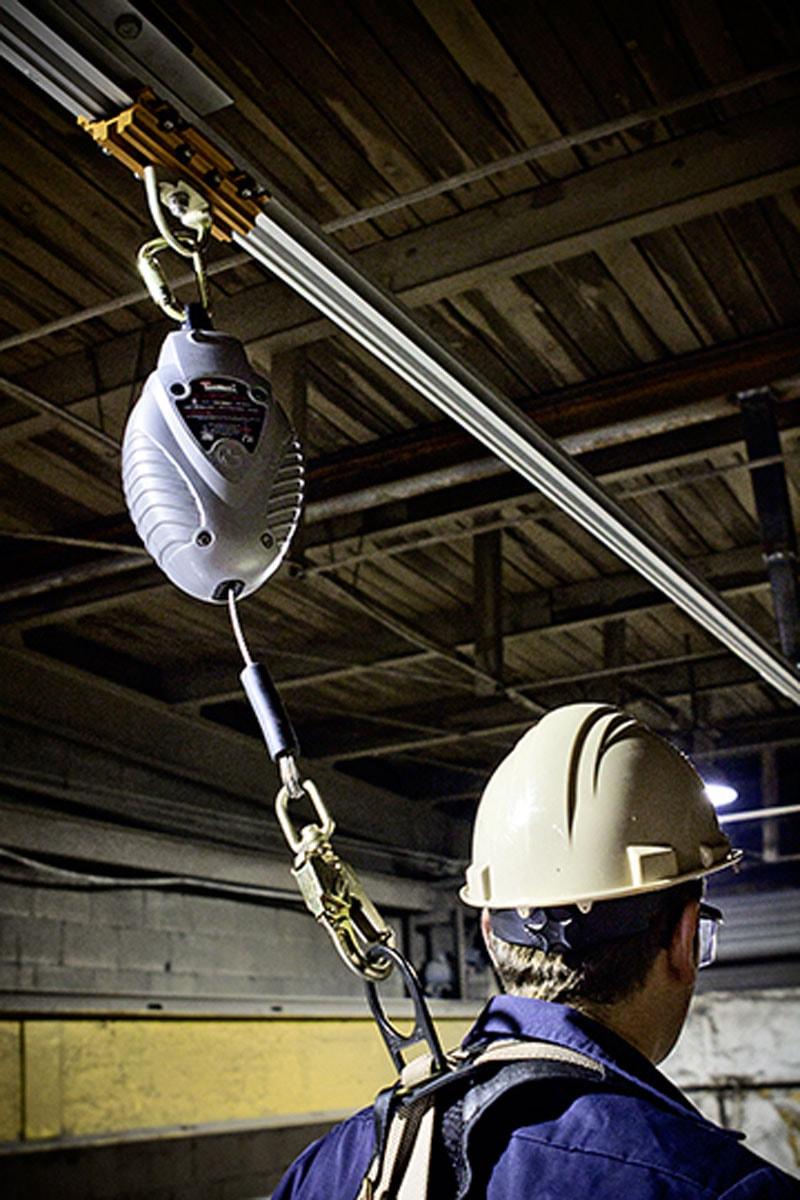 Expertise et conception d'équipements contre les chutes de hauteur